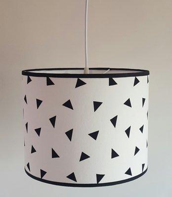 Aanbiedingset Hanglamp driehoek met muurstickers.