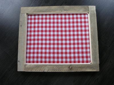 Prikbord van steigerhout