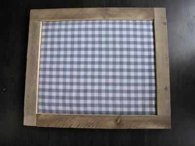 Prikbord met steigerhout
