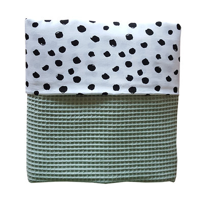 Ledikant deken wafelstof poedergroen/stip