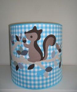 Hippe hanglamp uil met eekhoorn