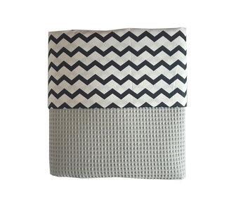 Ledikant deken wafelstof poedergrijs zigzag