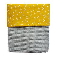 Ledikant deken wafelstof grijs triangle oker
